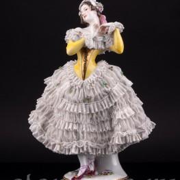 Балерина в желтом платье, кружевная, Volkstedt, Германия, до 1935 г