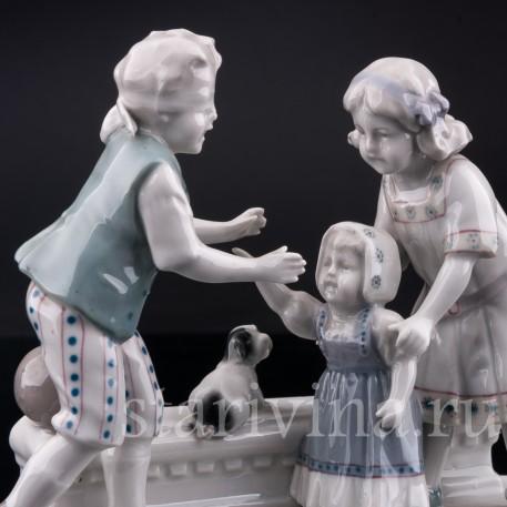 Фарфорвая статуэтка детей Жмурки, Goebel, Германия, нач. 20 в.